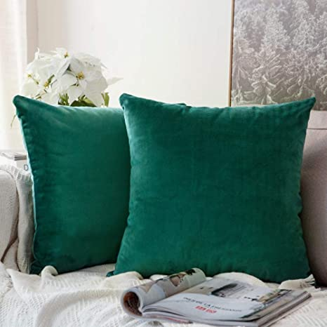 MIULEE Pack of 2 Velvet Soft Soild Decorative Square Throw Pillow Covers Green Cushion Case for Sofa Bedroom Car 18 x 18 Inch 45 x 45 cm