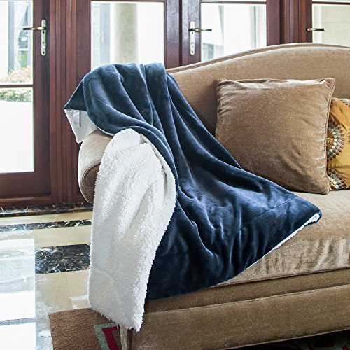 "Bedsure Sherpa Throw Blanket Navy Blue 50""x60"" Reversible Fu"