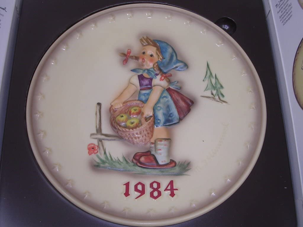 Hummel Goebel Bas Relief Annual Plate Girl Apples 1984