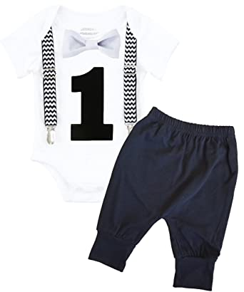 39963485a5 Amazon.com  Noah s Boytique 1st Birthday Outfit Bow and Suspenders Black  Chevron Sets  Clothing