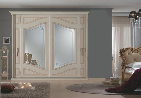 Armadi Classici In Decape.Le Chic Armadio Classico Avorio Decape Con Ante A Specchio Decorati