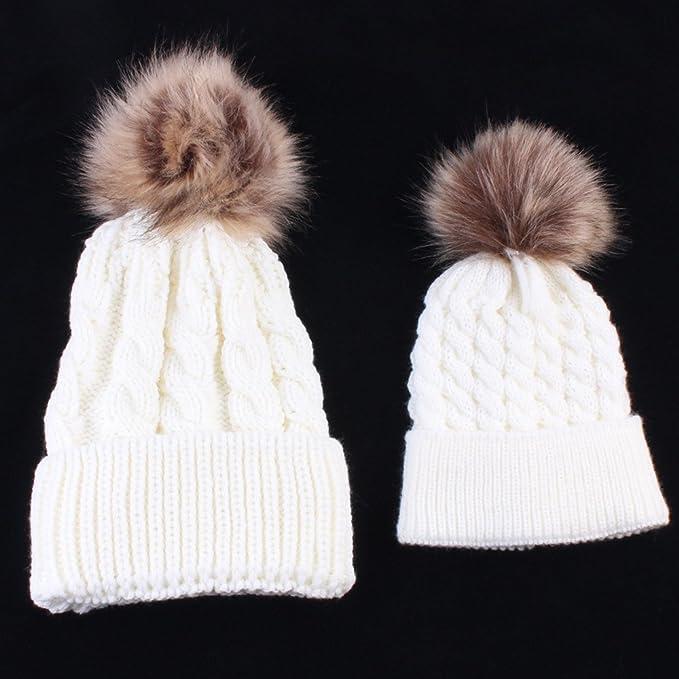 5e7cfb0ec0bf kingko® Maman et bébé à tricoter Gardez chapeau chaud du nouveau-né mignon  d hiver pour enfants bébé Chapeaux Laine tricotée Hemming chapeau (Blanc)   ...
