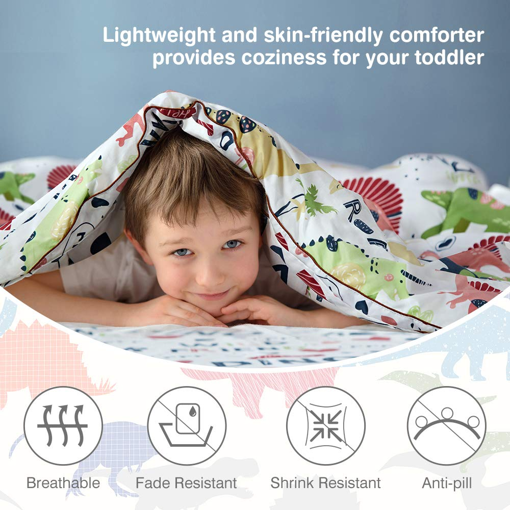 Standard Size Cartoon Print Style Kids Bed Set Includes Microfiber Comforter Flat Sheet Fitted Sheet and Reversible Pillowcase LANGRIA 4-Piece Dinosaur-Themed Toddler Bedding Set for Boys /& Girls