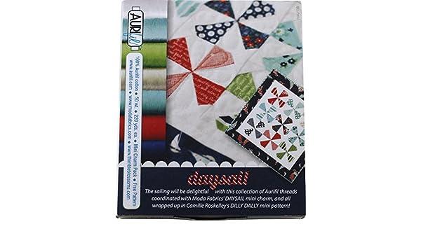 Moda Aurifil Daysail 7 carrete hilo Set Plus Mini Charm Pack & patrón: Amazon.es: Juguetes y juegos