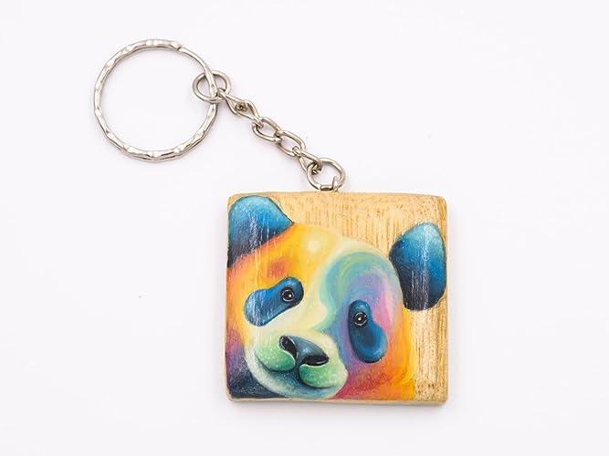 Llavero de madera pintada a mano con un oso panda: Amazon.es ...
