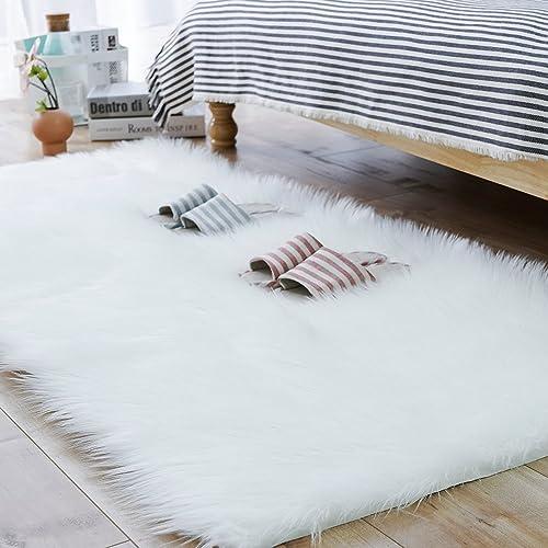 Carvapet Shaggy Soft Faux Sheepskin Fur Area Rugs Floor Mat Luxury Bedside Carpet for Bedroom Living Room, 3ft x 5ft,White