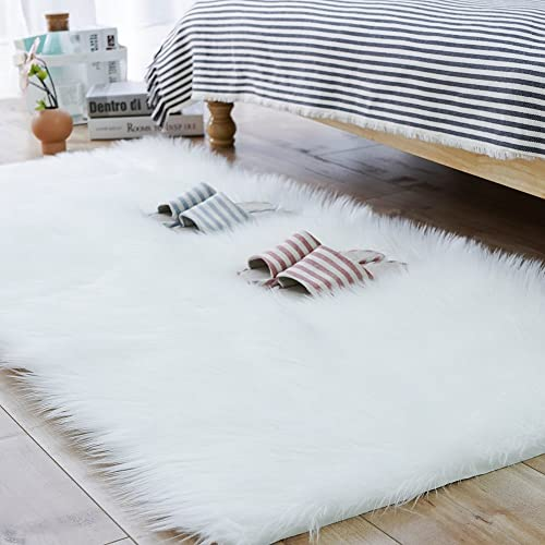 Carvapet Shaggy Soft Faux Sheepskin Fur Area Rugs Floor Mat Luxury Bedside Carpet for Bedroom Living Room, 3ft x 5ft,White