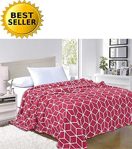 Elegant Comfort #1 Fleece Blanket on Amazon - Super Silky Soft - Sale - All Season Super Plush Luxury Fleece Blanket King/Cal King Cube Design ()