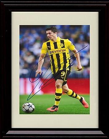 best authentic 49346 1858d Amazon.com: Framed Robert Lewandowski Autograph Replica ...