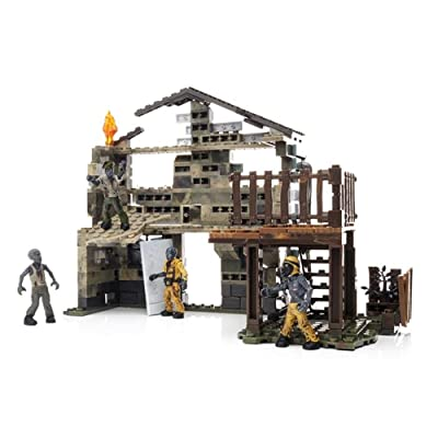 Mega Bloks Collector Series Call of Duty Zombies Nuketown: Toys & Games