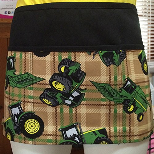 John Deere Garden Apron (3 Pockets Waist Apron Kitchen Cooking Restaurant Bistro Craft Garden Half Aprons for Men, Women, Chef, Baker, Servers, Waitress, Waiter,Craftsmen John Deere Tractor print)
