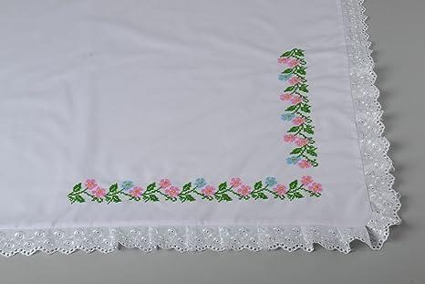 Pañuelo De Bautizo Con Bordado Blanco Bonito Hecho A Mano Original Para  Niños  Amazon.es  Ropa y accesorios be385e62e02f
