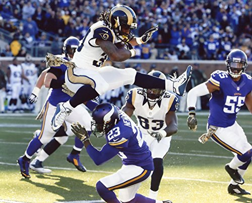 TODD GURLEY ST. LOUIS RAMS 8X10 SPORTS ACTION PHOTO (AA)