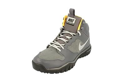 the latest 2df3c 26cbb Nike Men s Dual Fusion Hills Mid Leather Hiking Shoes Multicolour Size  7