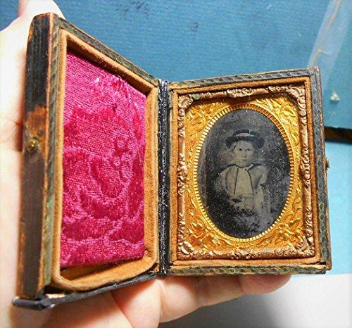 1850 Woman Tintype Photo Case Geometric Star Heraldic, Woman Tintype 165 Years Old, Repaired Good Condition.