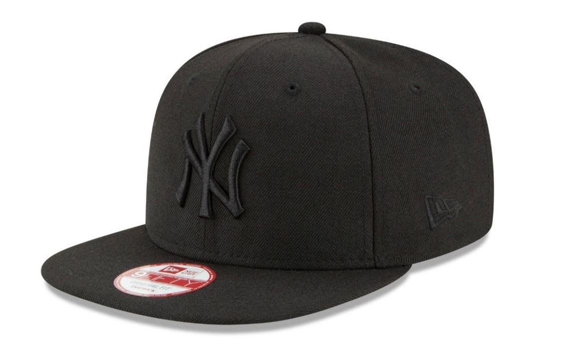New Era Men s 9FIFTY NY Snapback Baseball Cap  New Era  Amazon.co.uk   Sports   Outdoors 7fa7d9c22d6