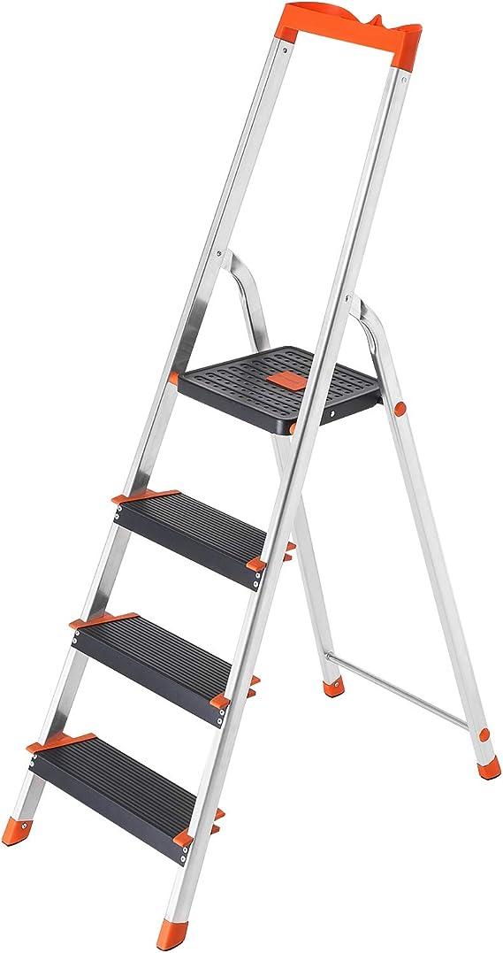 SONGMICS Escalera de 4 Peldaños, Escalera de Aluminio con Peldaños de 12 cm de Ancho, Escalera Plegable con Bandeja y Pies Antideslizantes, Carga de 150 kg, TÜV Rheinland Test, GS EN131, Negro