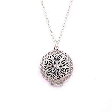 Amazon aromatherapy perfume essential oil fragrance diffuser amazon aromatherapy perfume essential oil fragrance diffuser necklace locket pendant with 6 pads jewelry aloadofball Image collections