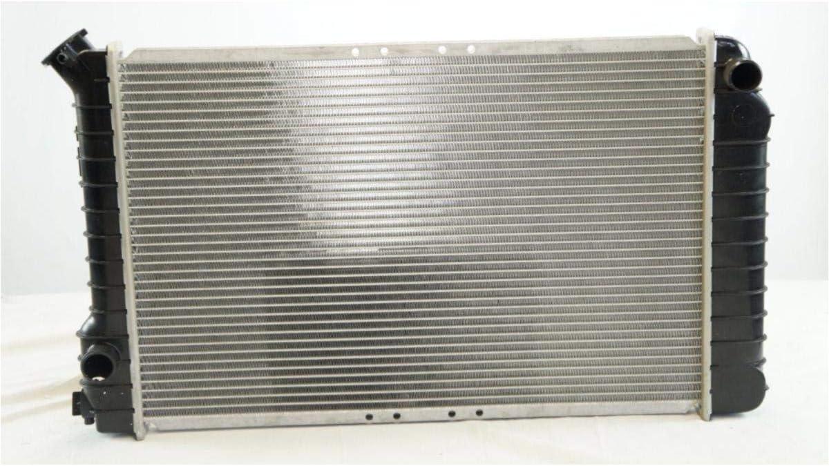 Manual Transmission Radiator,for 1983-85 S10 2.2L 1984-93 S10 2.8L 1983-89 S10 Blazer 2.8L 1984-85 S15 2.2L 1984-90 S15 2.8L 1983-89 S15 Jimmy 2.8L 1991-93 Sonoma 2.8L L4 V6