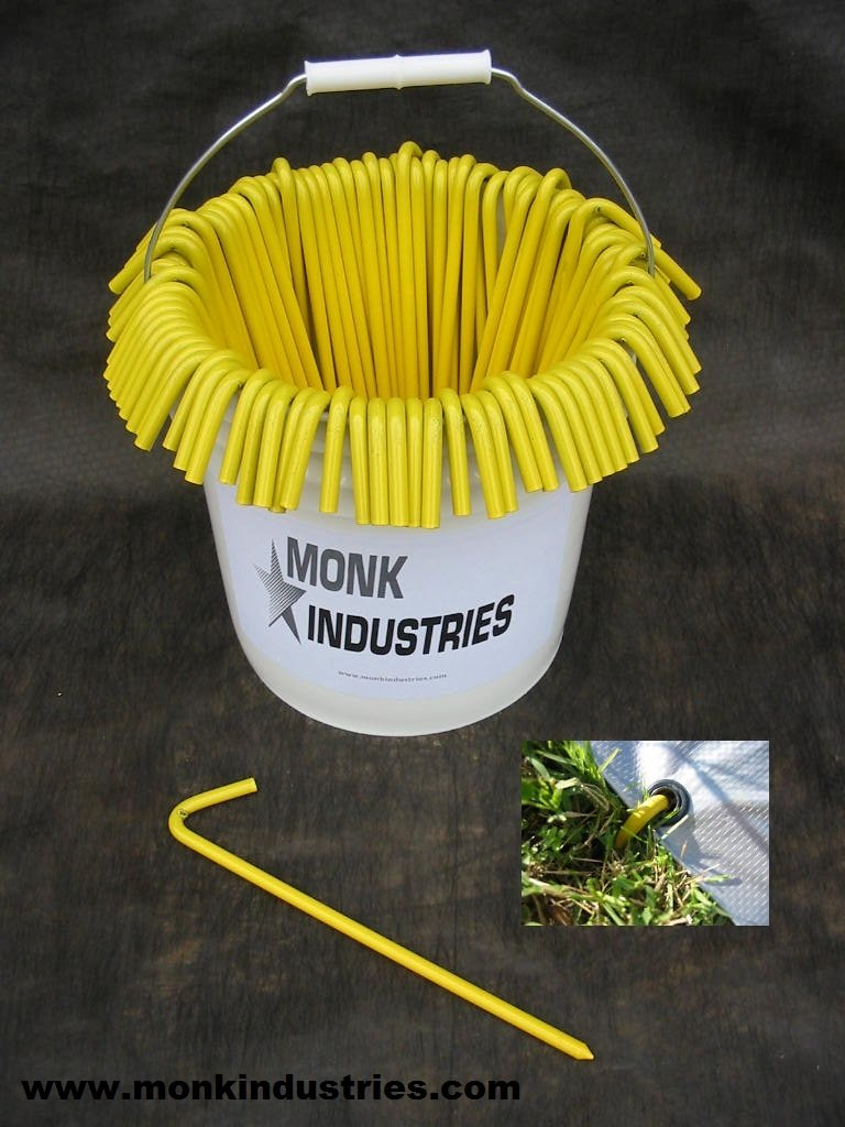 A Bucket of Steel Tarp Stakes (Yellow) 31210BYLBCKT