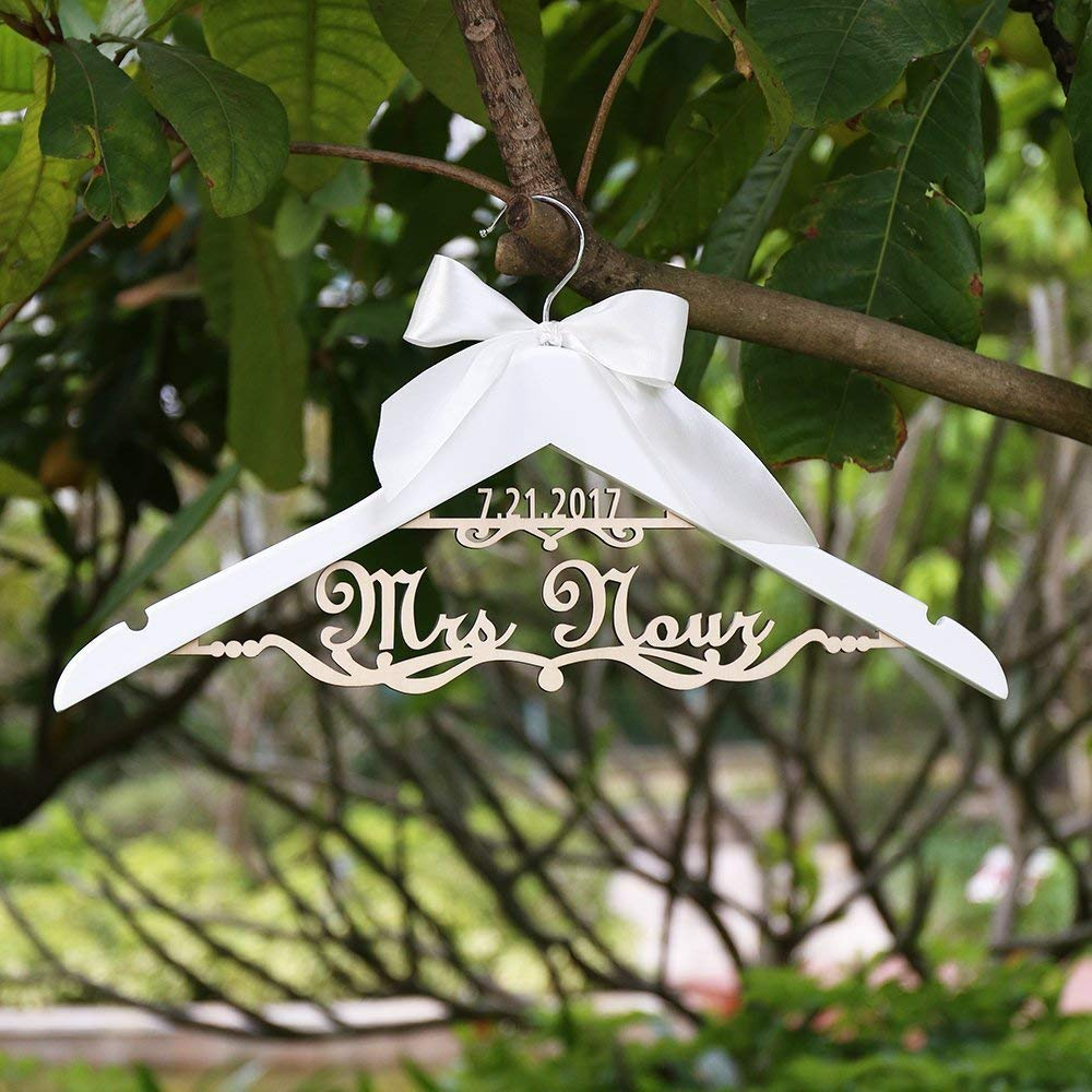 Custom Wedding Hanger,hanger for Bride, Hanger with name and date, personalized Wedding Dress Hanger for Bridal Shower