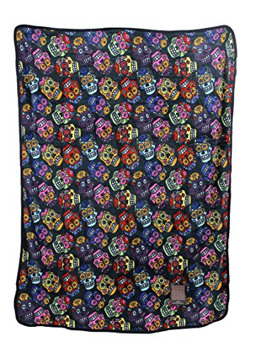Skulls Signature Collection Super Soft Plush Throw