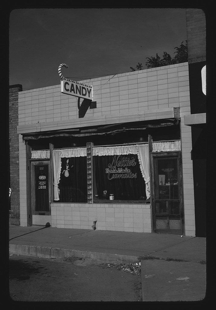 8 x 12 BW Photo of: Nettie's Homemade Candies, Pueblo, Colorado 1980 Roadside America Margolies, John, photographer 57x
