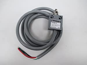 MICROSWITCH 914CE3-6 Contact Configuration:SPDT-1NO, Limit Switch, Contact Current AC MAX:5A, Limit Switch Actuator:Cross Roller Plunger, Operating Force MAX:2.75LBF ROHS Compliant: YES, Cross Roller