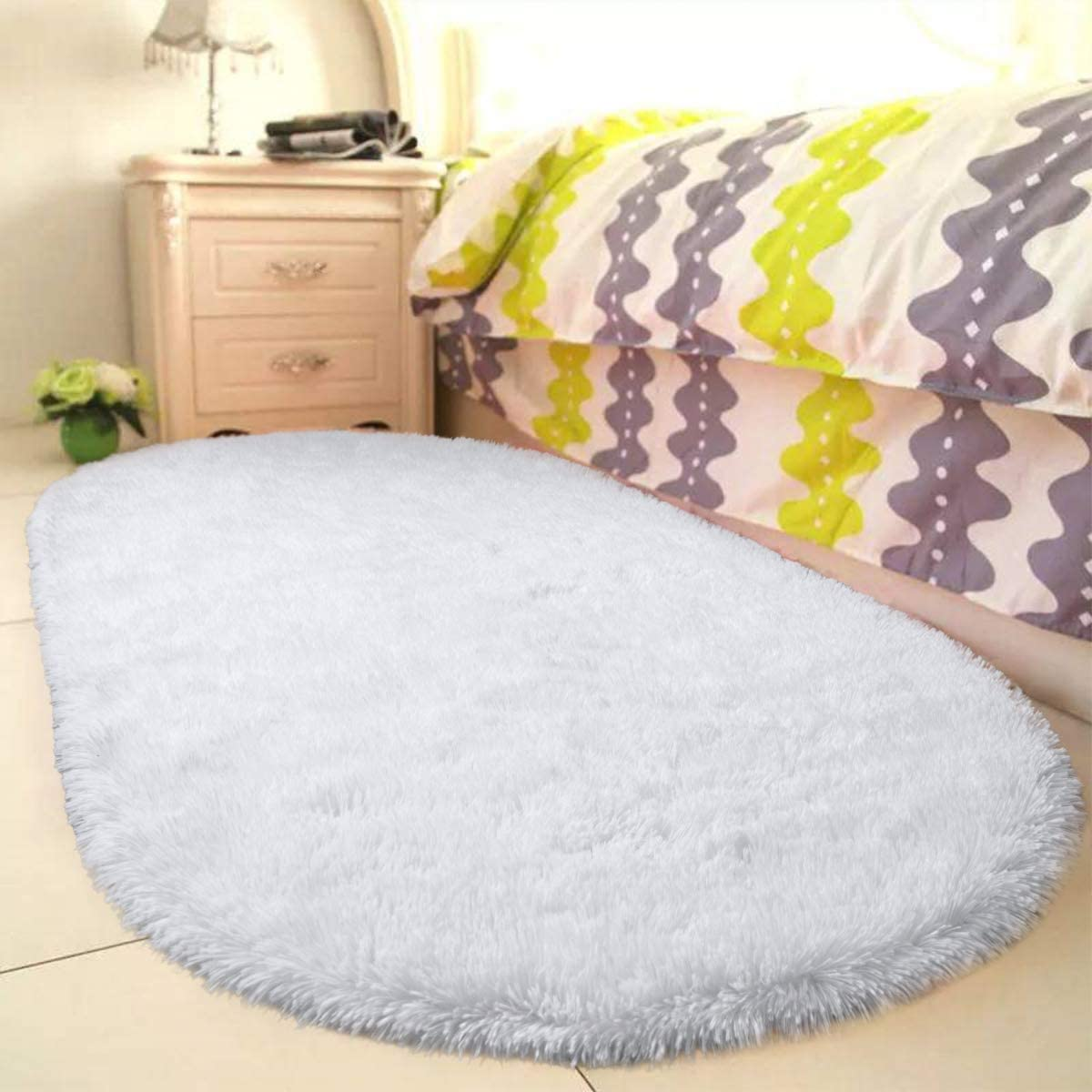 YOH Fluffy Shag Fur Area Rugs for Bedroom Girls Rooms Kids Rooms Nursery Decor Mats Non-Slip Plush Furry Fur Rugs Indoor Home Accent Floor Carpet, Oval 2.6'x5.3' White