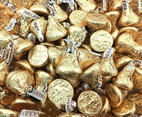 Hershey Kisses Creamy Milk Chocolate Gold Wrapping (Pack of 2 Pound)