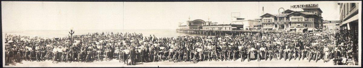 c1911 Los Angeles Motorcycle Club at Venice, Calif. 42'' Vintage Panorama photo