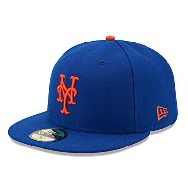 Amazon.com  New Era 59FIFTY New York Mets MLB 2017 Authentic Collection  On-Field Game Fitted Hat  Clothing 5c351ce839e