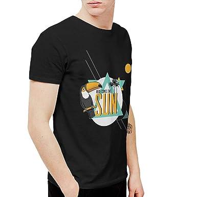 8ca24ec3ce0a Amazon.com  CHUNT Here Comes The Sun Interesting Short Sleeve T-Shirt  Black  Clothing