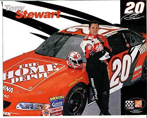 Tony Stewart 2002 Home Depot - Tony Stewart-NASCAR-Hero Card-Home Depot #20-2002-10 X 8-VG