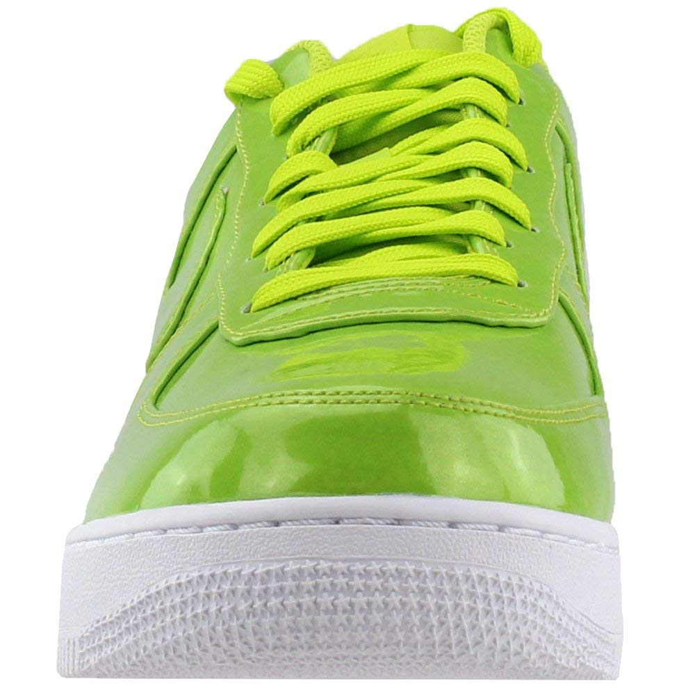 timeless design cc115 5ce61 Amazon.com   Nike Mens Air Force 1  07 Lv8 UV Athletic   Sneakers   Fashion  Sneakers