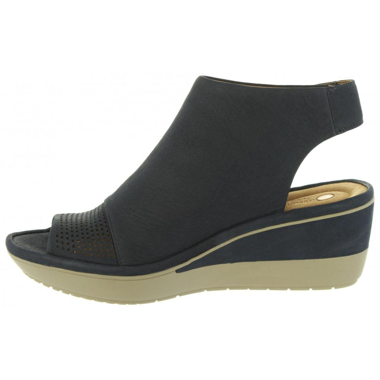 b1ccc6c830ed Clarks Women Wedge Shoes 26133983 Wynnmere Navy Nubuck Size 41  Amazon.co.uk   Shoes   Bags