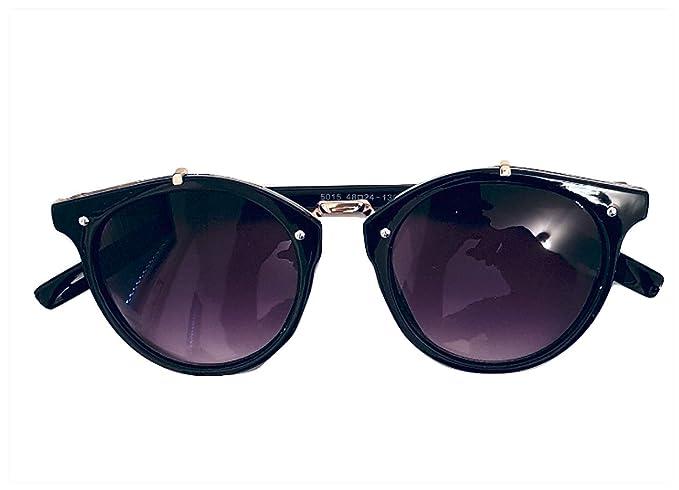 cfbd51ccc21e Amazon.com  VALENTINO ARMANI Italian Fashion Designer. Luxury Brand ...