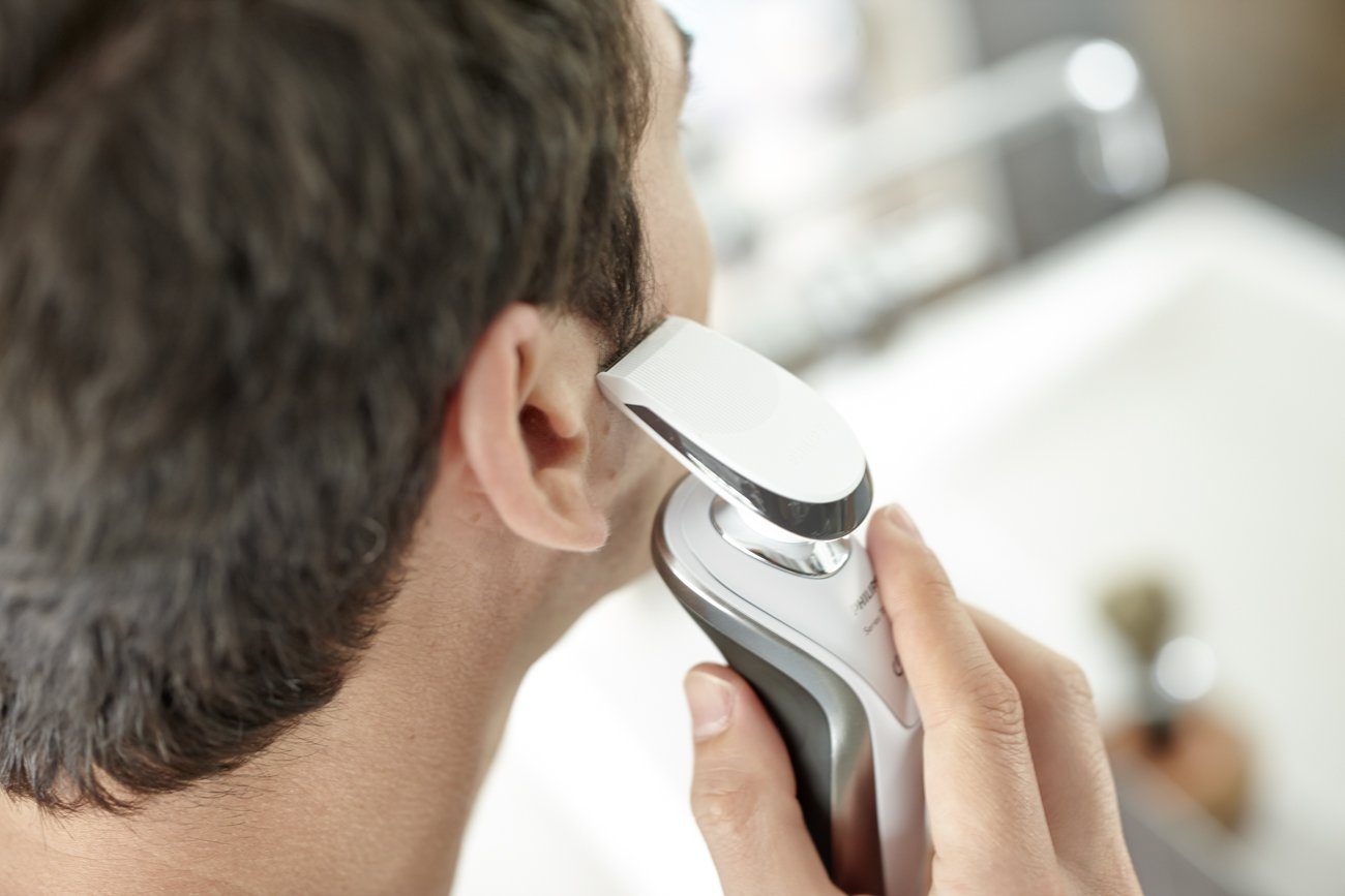 Philips Norelco Electric Shaver 7500 for Sensitive Skin by Philips Norelco (Image #4)