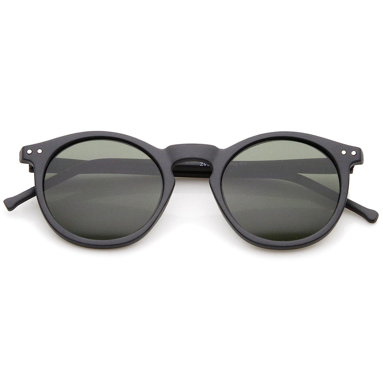 e19f70c1a78 Amazon.com  Retro Horn Rimmed Keyhole Nose Bridge P3 Round Sunglasses 49mm  (Matte Black Green)  Clothing