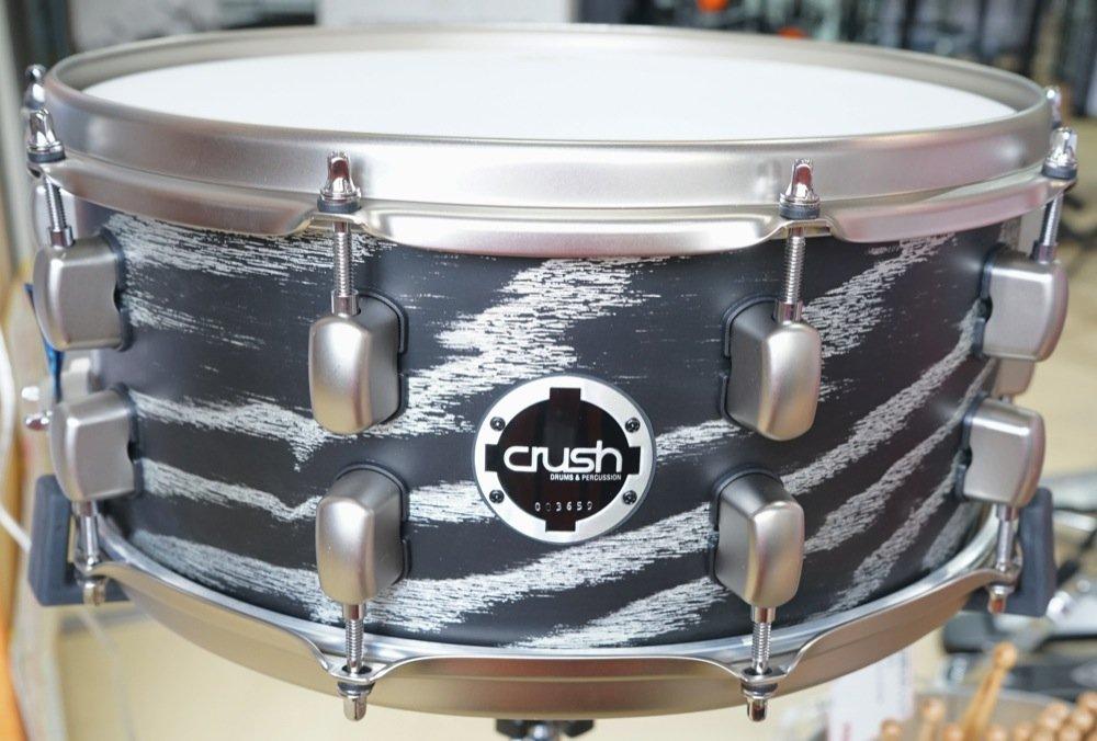 Crush クラッシュ スネアドラム サブライムアッシュ トランスサテンブラック/シルバースパークル SMAS14X6 207 B00WRZHJ3C