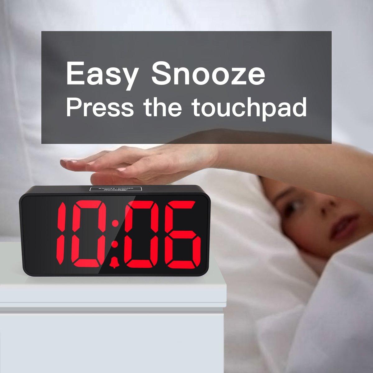 Reacher 9 Pulgadas Grande LED Digital Reloj Despertador con Puerto USB para Cargador de teléfono, Toque Activado Snooze y Dimmer, batería de Respaldo ...