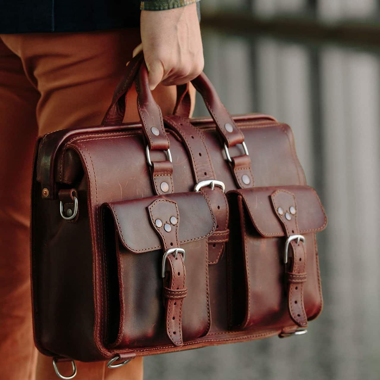 Saddleback Leather Co. Flight Bag 15-inch Full Grain Leather Expandable Laptop Briefcase for Men Includes 100 Year Warranty by Saddleback Leather Co. (Image #6)
