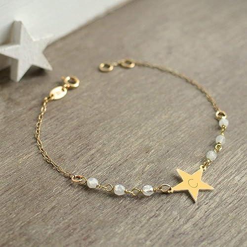 edb5a215f5e Bracelet personnalisé petite étoile en or avec des pierres de lune ...