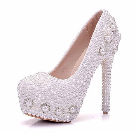 Donna Tacchi Alti Bianchi Tacco a spillo Romantico Scarpe da sposa Strass  Pearl Sandali Large Size 24ebc2e7285