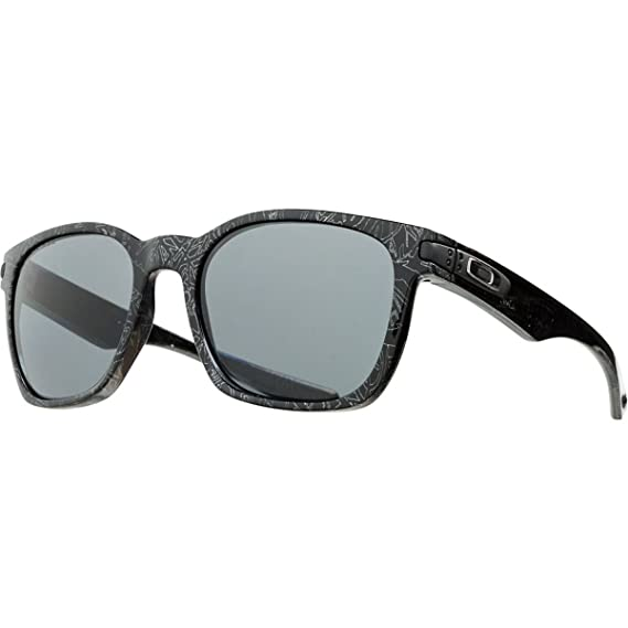 52b1b1b6a04 Oakley Garage Rock Round Polarized Sunglasses Black Silver Ghost Test  w Gray One Size  Amazon.in  Clothing   Accessories