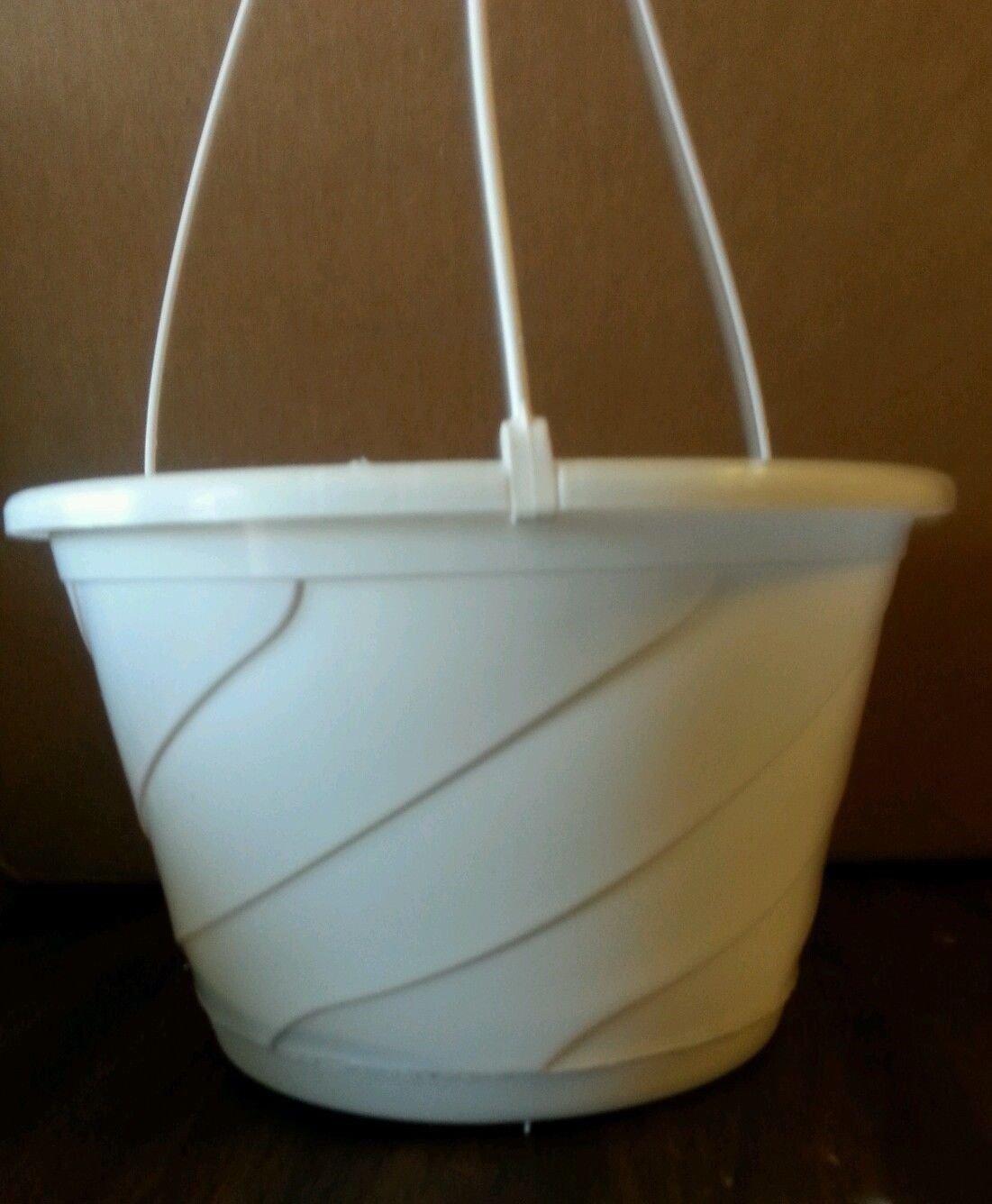 10'' WHITE HANGING BASKETS {Set of 25} Plastic CONTEMPO SWIRL flower pots by birdsmagnolia