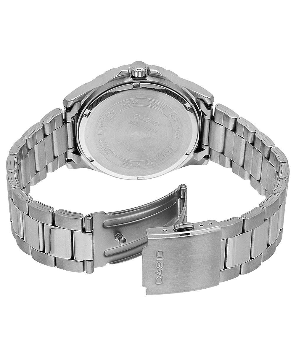 Amazon.com: mtd-1077d-1 a2vdf Casio Reloj de pulsera: Watches