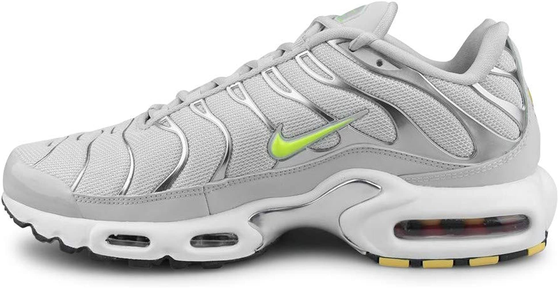 Amazon.com: Nike Air Max Plus TN SE: Shoes