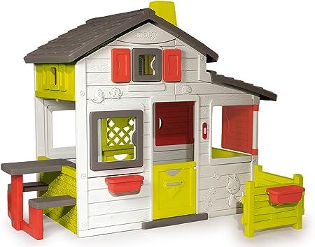 Incluye una zona de jardín con 2 meceteros y una mesa pic-nic de doble posición (interior/exterior),