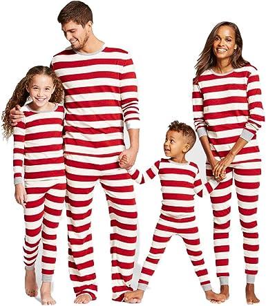 La Navidad de la Familia de Coincidencia de Trajes de Mamá ...